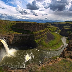 Palouse Falls from Cliff